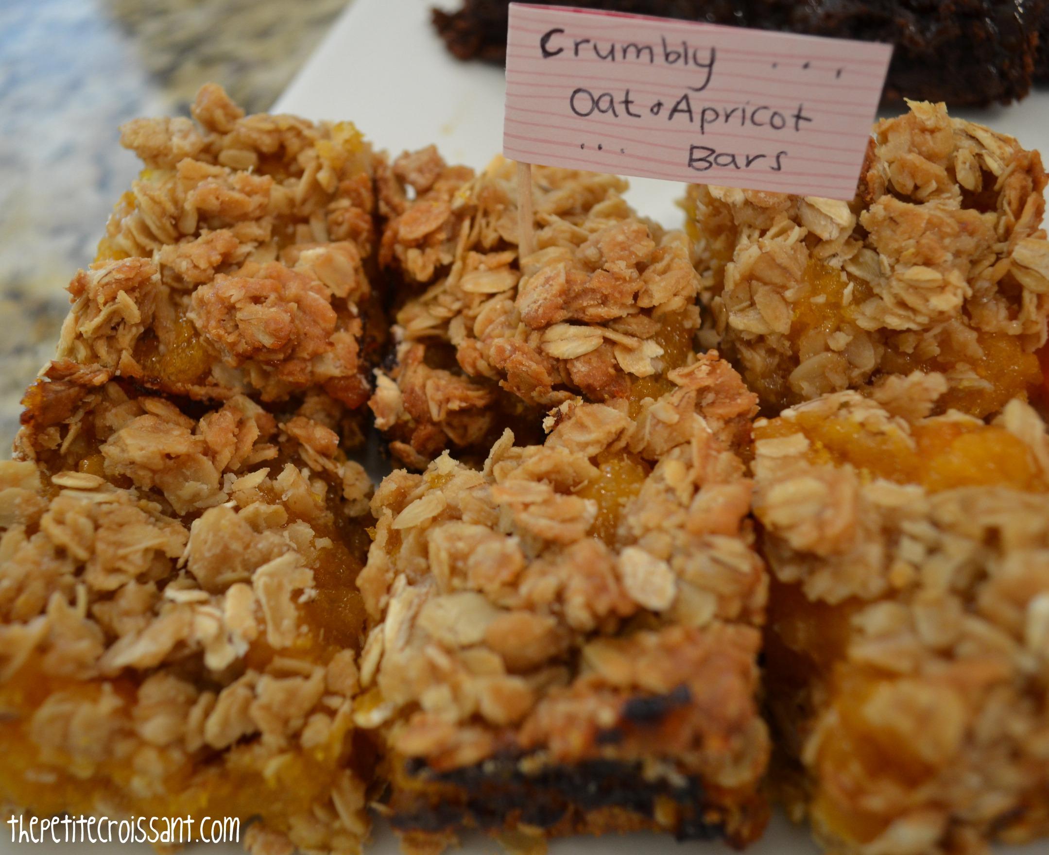 Apricot Oat Bars | the petite croissant