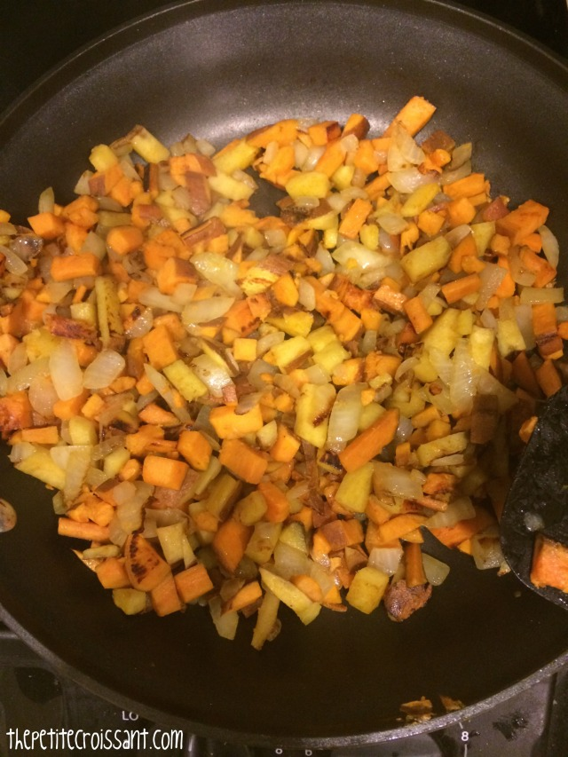 sweetpotatochickenhash4